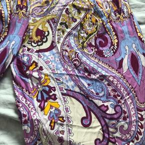 Søde multifarvede bukser, sidder løst