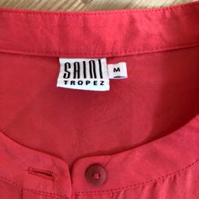 Flot silkeskjorte fra Saint Tropez. Urolig flot farve.