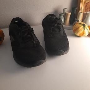 Skechers sneakers