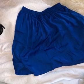 Super fin nederdel Køber betaler fragt