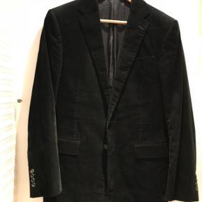 Meget pæn stand - blazeren er fra Purple kollektionen og nypris var 6000kr.