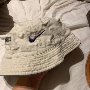 Nike Sportswear hat & hue