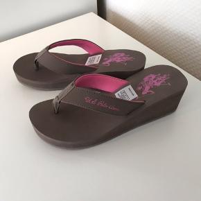 Helt nye sandaler