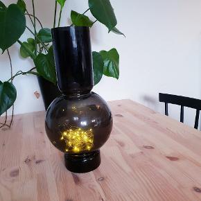 Fin vase fra Magasin