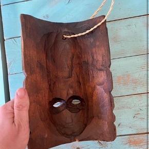 Træ maske 15*24  - fast pris -køb 4 annoncer og den billigste er gratis - kan afhentes på Mimersgade 111. Kbh n - sender gerne hvis du betaler Porto - mødes ikke andre steder - bytter ikke
