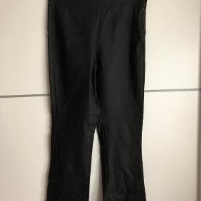Helt nye coatede bukser med svaj