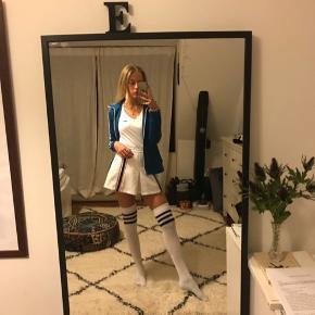 🎾🎾🎾 Sælger denne charmerende vintage tennis-nederdel. Den er i rigtig fin stand!  Str. S  Kom med et bud!  🎾🎾🎾