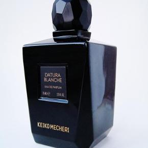 "Niche parfume ""Datura Blanche"" 75ml/74ml fra Keiko Mecheri så smuk datura duft. Købspris 1430kr"