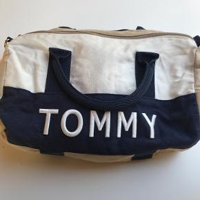 Tommy Hilfiger taske