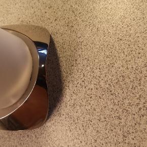 Flot stål stelton lysestage, sælges da jeg ikke har plads til den. Der er få brugsmærker som kan ses på billederne. 🌺🌺Se mine andre annoncer🌺🌺