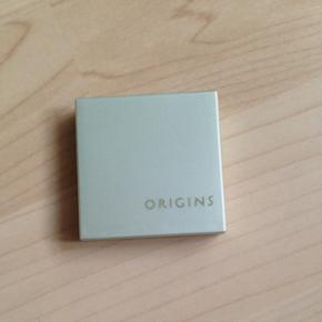 Øjenskygge fra Origins i farven 03 Sage.   Brugt meget få gange, som det kan ses på billederne.   Sælges også i én anden farve.