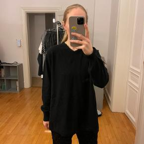 Sportsmax sweater