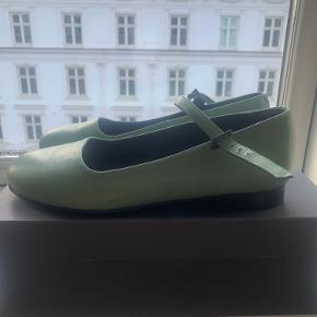 Nordic Shoepeople Flats