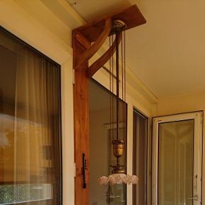 Lustre pour haut plafon, vintage, fonctionne, bon état mais ancien, idéal pour une déco vintage !