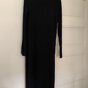 Lidt gennemsigtig lang kjole str 40