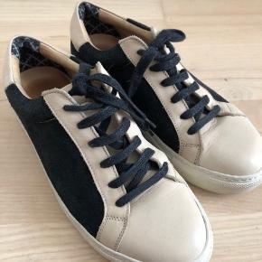 Virkelig lækre Malene Birger sneakers. Bliver dog ikke brugt :( np 1349