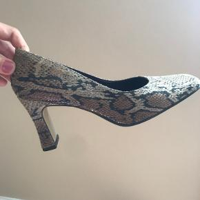 About Vintage stiletter