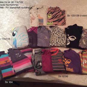 Blandet tøj, Tøjpakke, Hummel, Danefæ, str. findes i flere str.  Sælger denne lækker tøjpakke til pige fra str 92-122/128 18 stk i alt Blandet str. og standen er fra GMB - Helt ny/Ubrugt (men fleste er gmb i den pæne ende) Der er et stk fra Danefæ (str 4 år) som har en lille fejl foran printet Har 2 stk mere Hummel kjoler hvis det er (100 kr pr stk) Pris ide for tøjpakken - 550 kr inkl porto med DAO Eller kan hentes her 6200