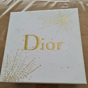 Ny parfume fra Christian Dior Joy sælges.  Befinder sig I Kolding! :)
