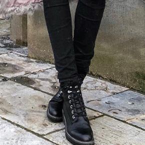 Helt nye boots købt fra Zalando.  Nypris: 599