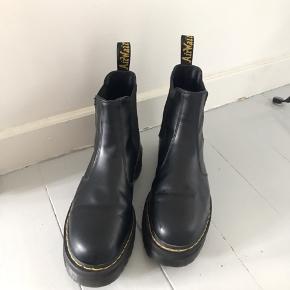 Støvler fra Dr. Martens Brugt 2-3 gange  Fejler intet Nypris 2000