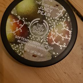 The body shop, softening body butter, juicy pear, 50 ml   Aldrig brugt
