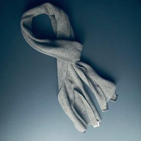 Acne Studios tørklæde