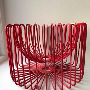 frugtskål i fedt retro design. Ø:30cm H: 20cm #frugtkurv#metalkurv #frugtskål #metalskål