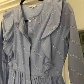 Meget smuk kjole fra ganni i 34