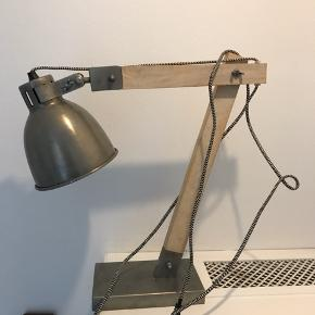 Smuk rustik lampe.
