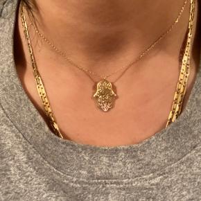 ÆGTE GULD halskæde 18 karat, 3,5 gram 1500kr.   Vedhæng og halskæde.