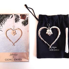 Jul / julepynt Georg Jensen, Johanne stort ornament, hjerte med julerose, sølv