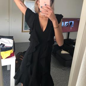 Fineste sorte kjole Størrelse XS Aldrig brugt, stadig med mærke BYD!😊