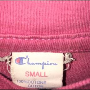Vintage champion T-shirt Str small  200kr + fragt Jeg er åben for bud