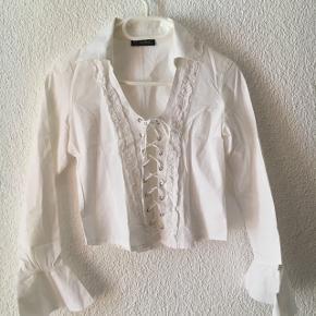 Chemise blanche légère taille M (taille un peu plus petit)