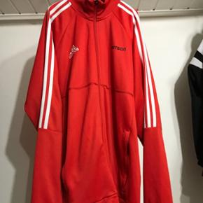✅Disponible✅tracktop Adidas x Gosha Color: rouge Size: Large Cond: 9/10 Prix:190frs/160€ - - - - - #yeezyforsale #supremeforsale #palaceforsale #bapeforsale #forsale #adidasforsale #nikeforsale #hype #sneakers #supreme #bape #palace #resell #resellswitzerland #calabasas #Guess #Asap #supcommunity #forsalesupreme #supremenyc #streetwear #suisse #switzerland #sell #buy #shop #offwhite #gosharubchinskiy #Goshaforsale