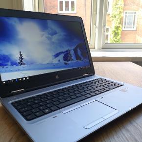 """HP Probook 650 G2. Som ny og uden ridser, brugt meget lidt til studie. Sælges pga nyt arbejde.  Specifikationer:  Skærm - 15.6"""" 1920x1080 Full HD LED CPU - i5-6440HQ 2,60 GHz (3.5 GHZ Intel Turbo Boost) RAM - 8GB DDR4 HDD - 256GB SSD Porte - 2xUSB 3.0, 1xUSB-C, DisplayPort, VGA, kortlæser (SD, SDHC, SDXC. ), SIM-kort (mobildata) Webcam med 720p Mulighed for udvidelse med DVD-drev Batteri - op til 12 timer Windows 10 er installeret Vægt - 2,3kg Model nr - L8U50AV  Garanti gennem HP indtil december 2020.  Der medfølger også pæn skuldertaske, 2 stk oplader og ny trådløs mus (HP WM326).  BUD MODTAGES GERNE ;)"""