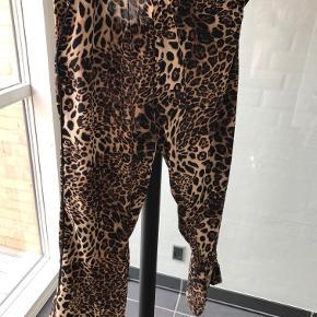 super fine leo bukser fra Lollys ALDRIG brugt  Bytter IKKE