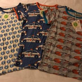 Småfolk, str 122/128Nye t-shirts som min søn ikke fik brugt - stadig med mærke   Mp 100pp pr stk