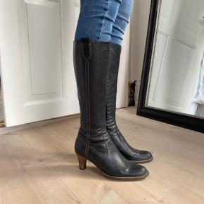 Fede høje læder støvler meget true to size