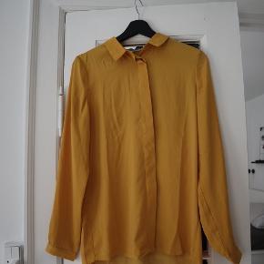 Super behagelig og dejlig skjorte, som jeg bare ikke får brugt nok. Har haft den på mellem 3-5 gange