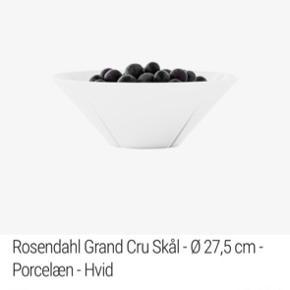 Rosendahl skål 27,5 diameter  Er næsten nye  Har 2 af det samme .  Køb en for 100kr  Køb de begge skåle for 2 for 200kr
