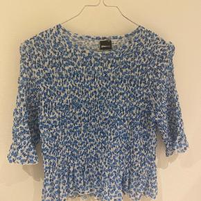 Fin blomstret bluse / top    Tags: Ganni - Baum & pferdgarden - Envii - & other stories - Stine Goya - Zara