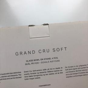 Skåle fra Rosendahl Grand Cru Soft. Aldrig brugt. Bud er velkomne. Kan afhentes i Århus.
