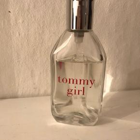 Tommy Girl parfume 50 ml, nok ca 40 tilbage :)