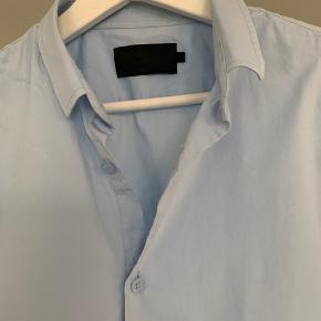 Vito skjorte. Str L.