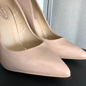 11,5 høj hæl