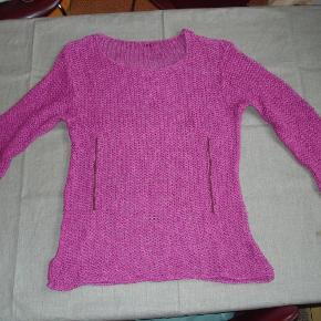 Uno Sweater