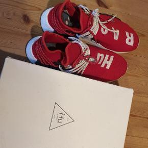 Super lækre human race sneakers, byd gerne