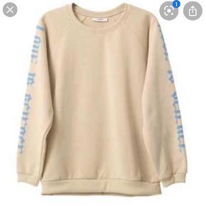 Sælger den fineste sweater fra Ganni. Brugt to gange☺️ Kom gerne med bud